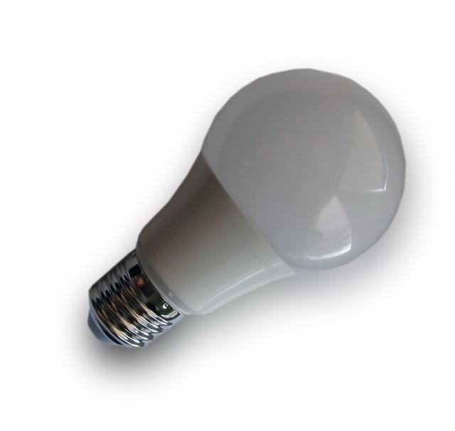 LED žárovka E27 230V 9W studená bílá